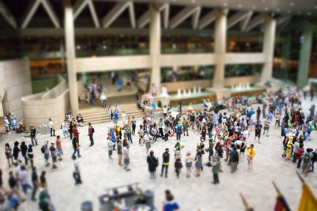 second tilt-shift simulation experiment, crowd looks like little toys
