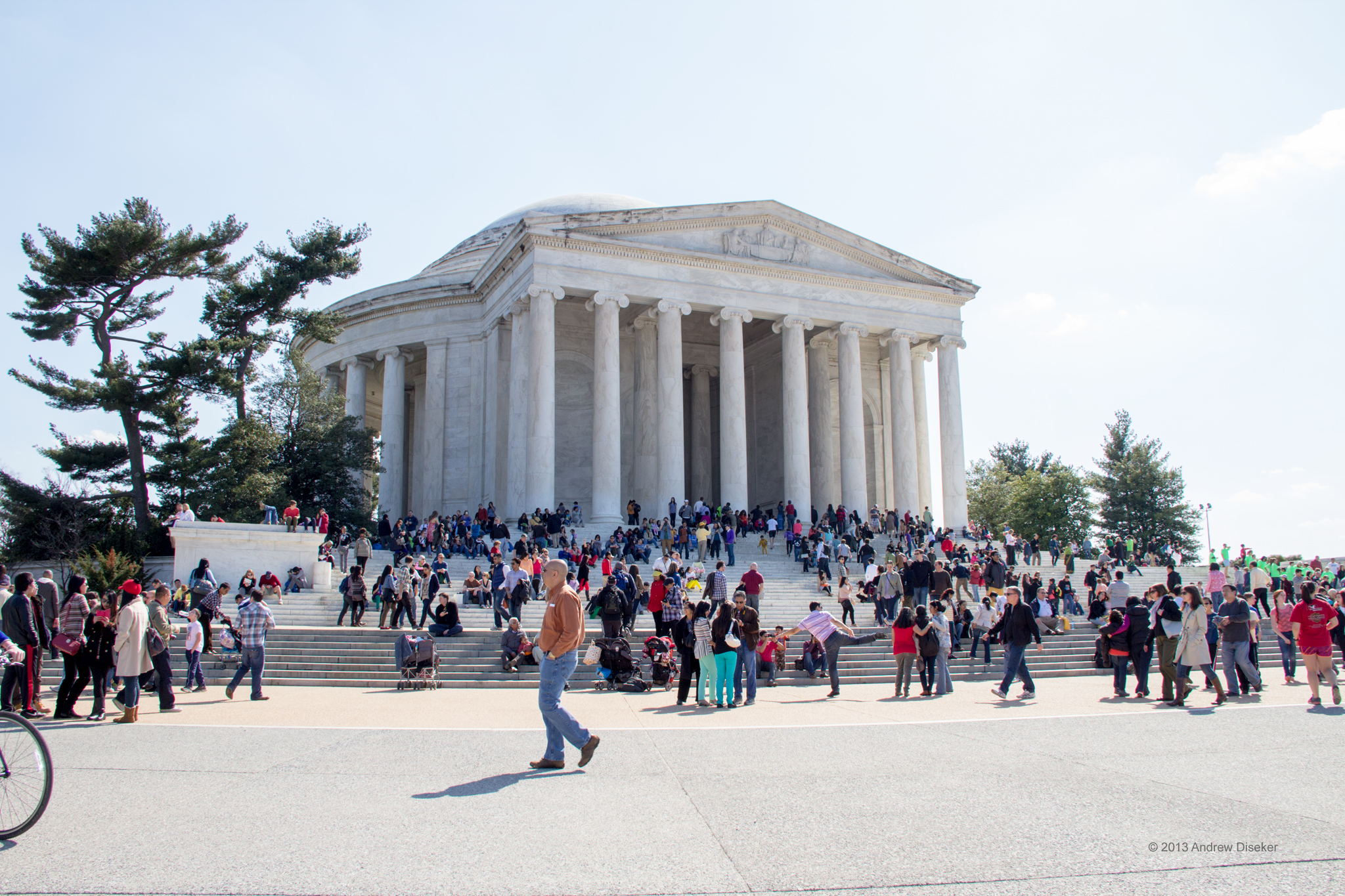 people on the front steps of the Jefferson Memorial